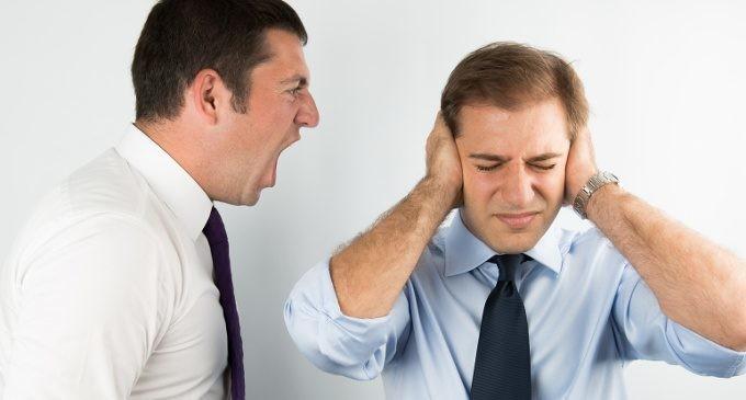 violenza-psicologica-sul-luogo-del-lavoro-il-triste-fenomeno-del-mobbing-e-le-sue-conseguenze_fotolia_53371103_kraken-680x365