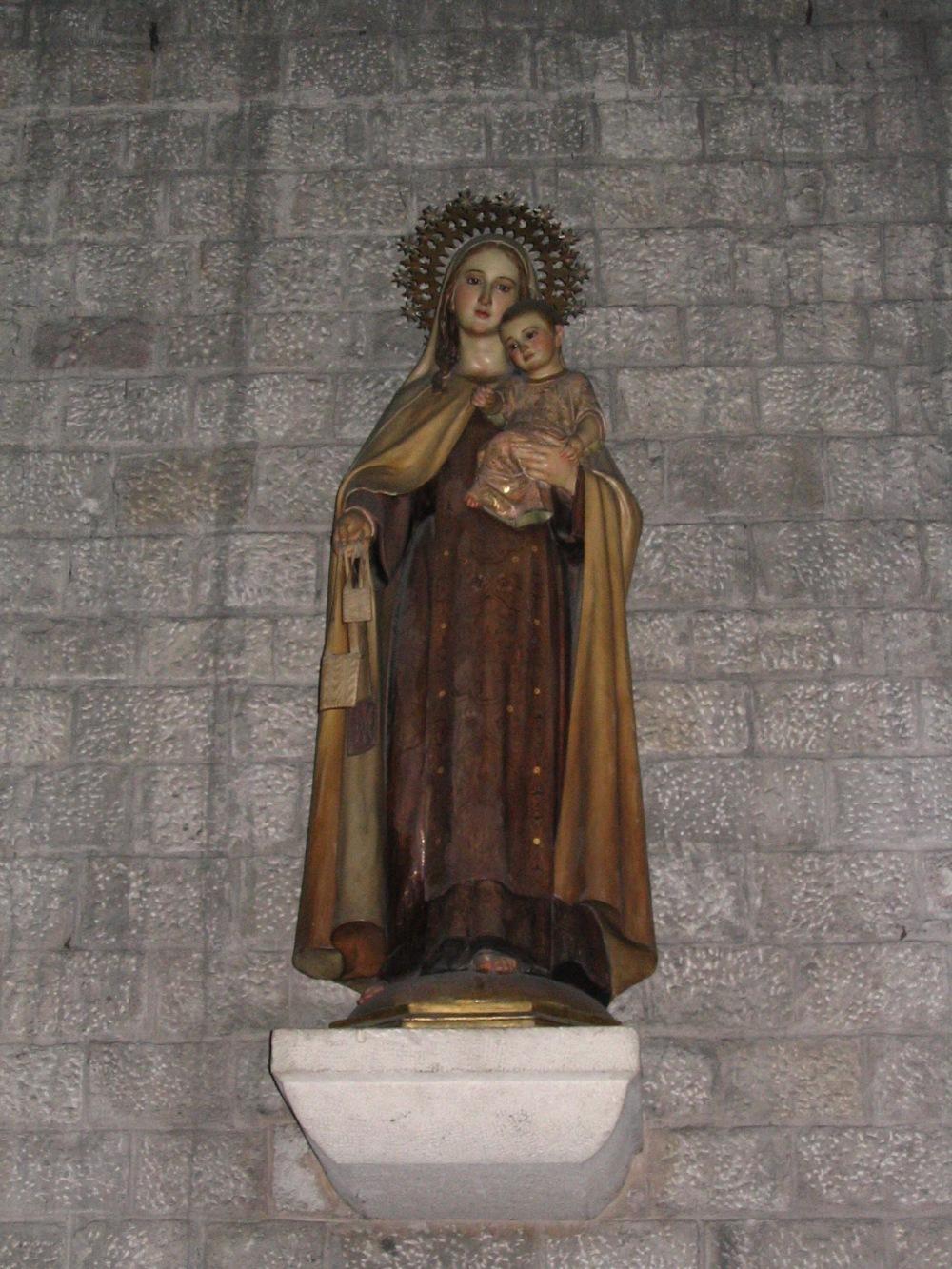 Santa_Maria_del_Mar_statue.jpg